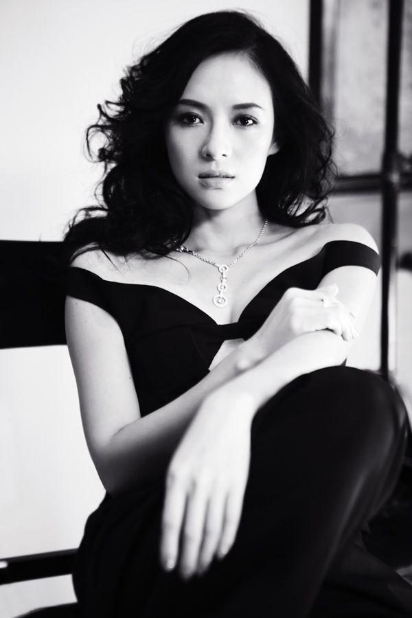 Ziyi-Zhang-in-Harper's-Bazaar-China-November-2012-02