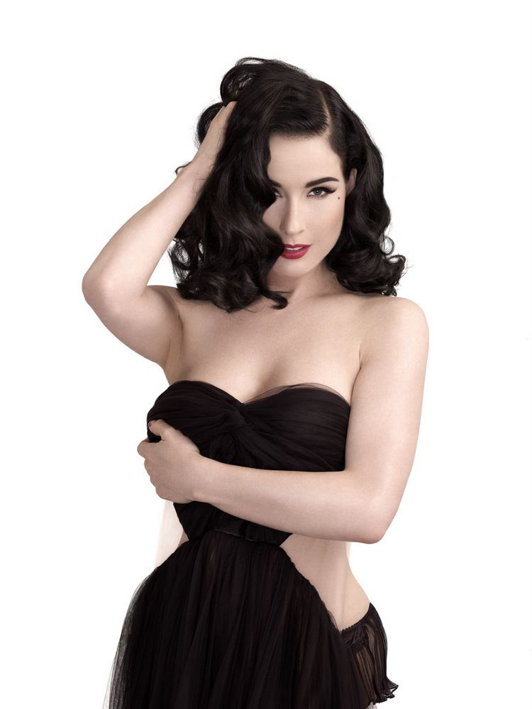 Dita Von Teese ELLE Men China December 2012-006
