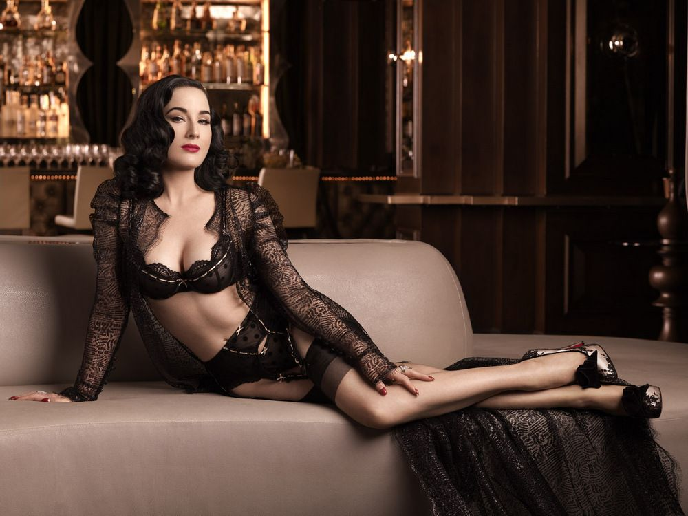 Dita Von Teese ELLE Men China December 2012-007