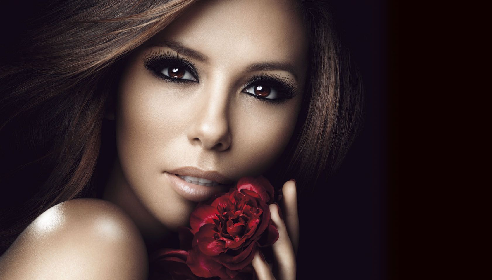 EvaLongoria_VolumeMillionLashes_Excess_300