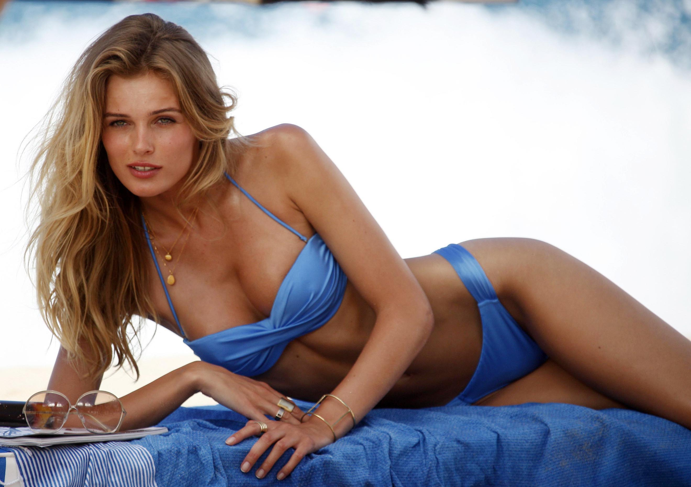 77121_Edita_Vilkeviciute_Bikini_Photoshoot_for_Victorias_Secret_in_St_Barts_January_27_2013_041_122_498lo