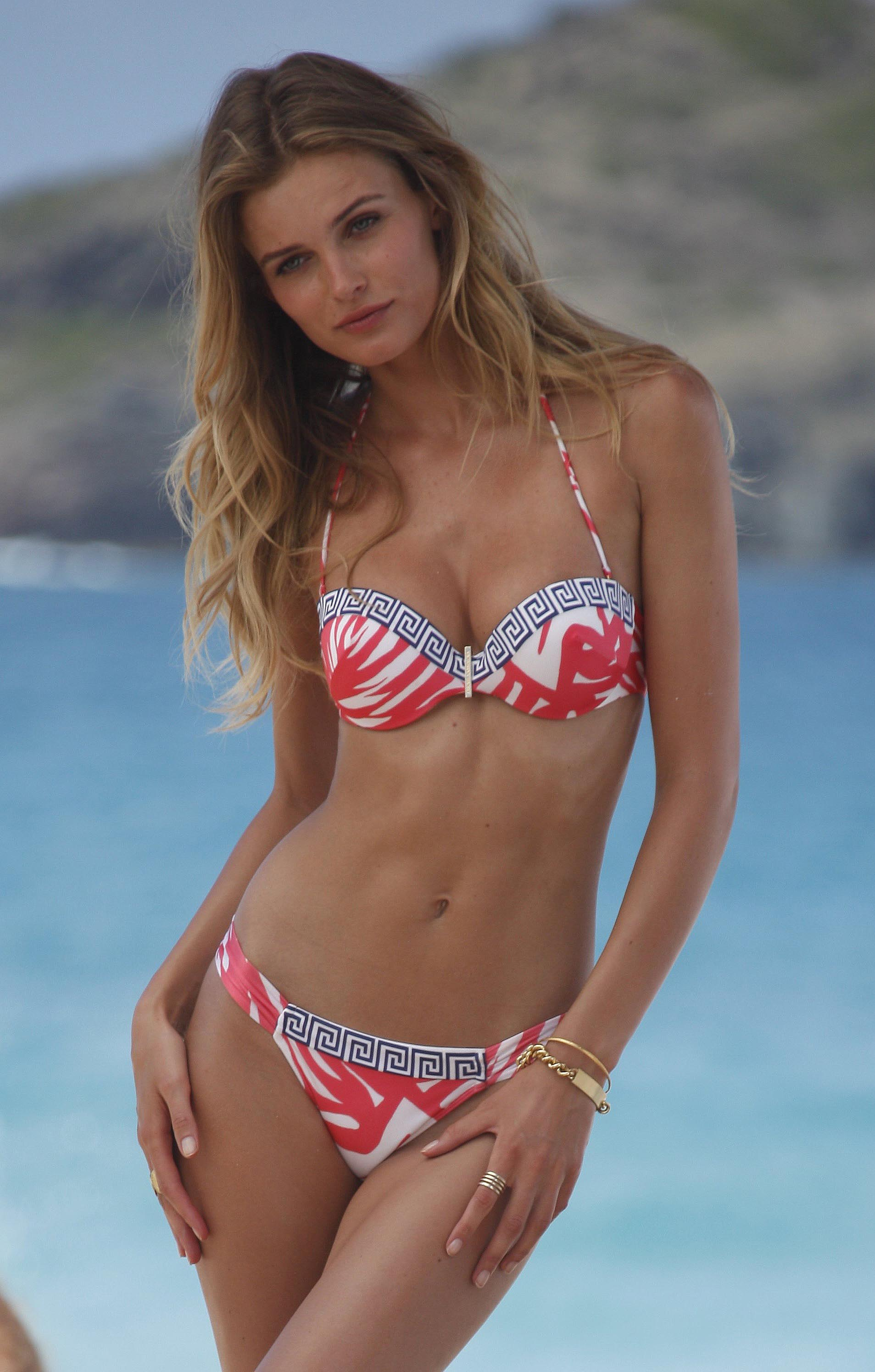 77815_Edita_Vilkeviciute_Bikini_Photoshoot_for_Victorias_Secret_in_St_Barts_January_27_2013_083_122_53lo