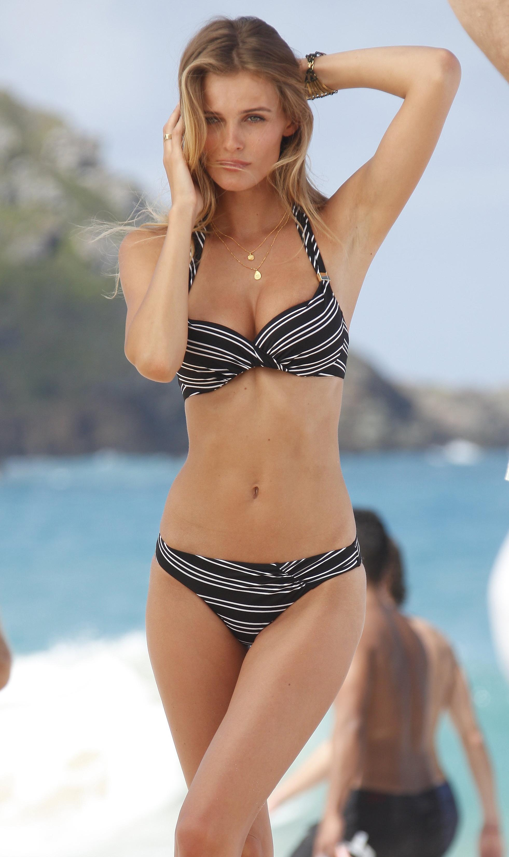 78033_Edita_Vilkeviciute_Bikini_Photoshoot_for_Victorias_Secret_in_St_Barts_January_27_2013_102_122_1197lo