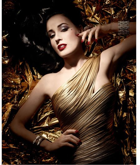 Artdeco-Holiday-2012-Dita-von-Teese-Golden-Vintage-Collection