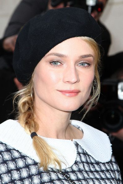 Diane_Kruger_Chanel_Arrivals_Paris_Fashion_RbrTSY9P6t3l