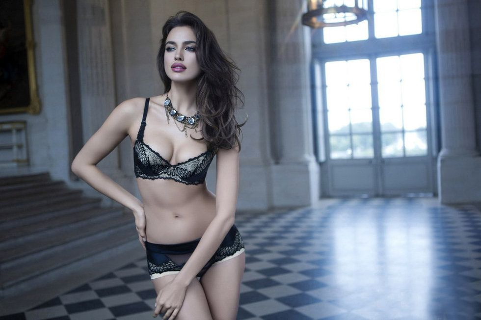 Irina Shayk Deduces La Clover Lingerie for Valentine's Day (2)