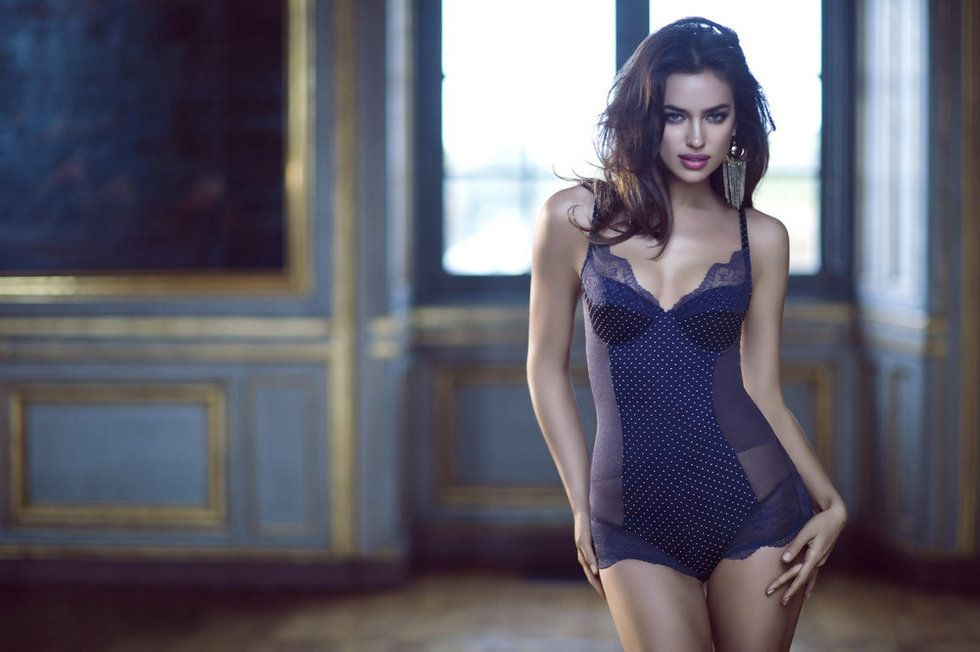 Irina Shayk Deduces La Clover Lingerie for Valentine's Day (5)