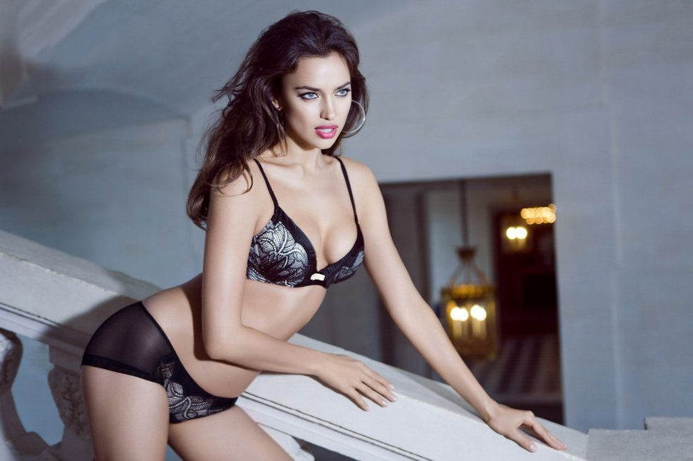 Irina Shayk Deduces La Clover Lingerie for Valentine's Day (6)