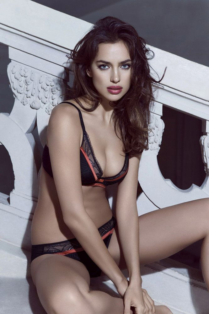Irina Shayk Deduces La Clover Lingerie for Valentine's Day (8)