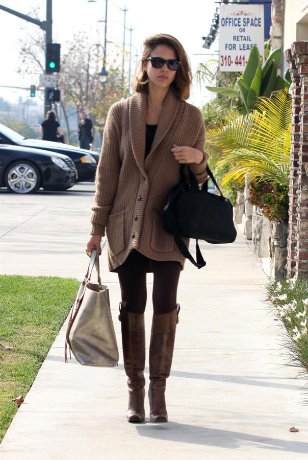 Jessica Alba Out and About Casual wear oversized cardigan