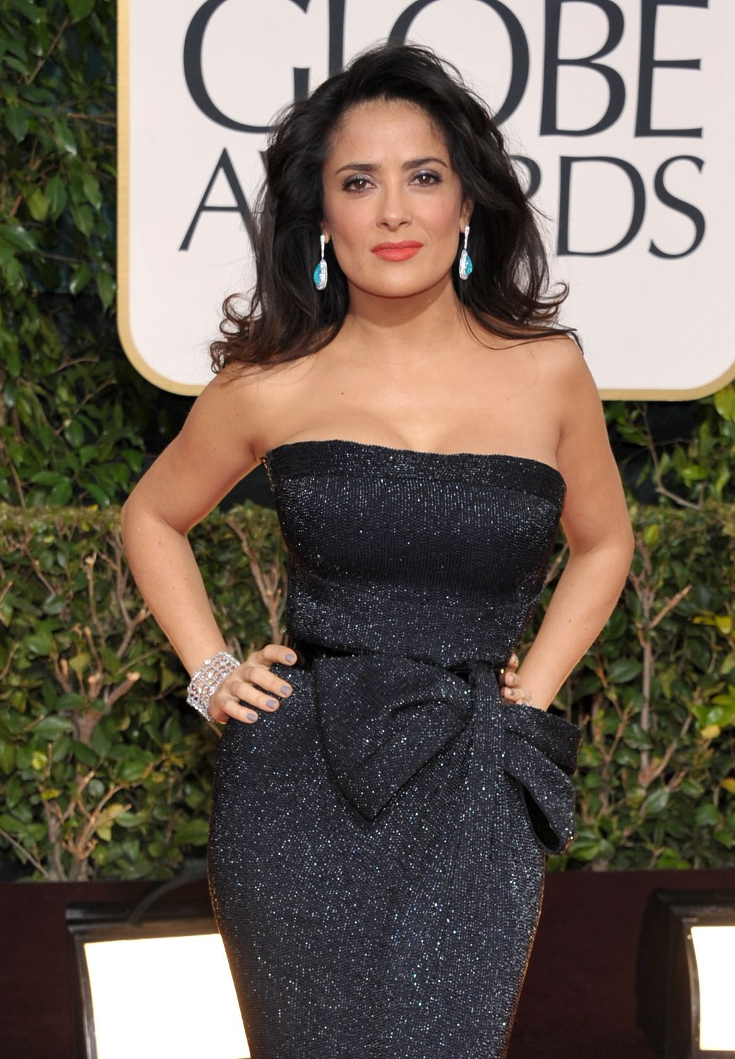 Salma Hayek at the 70th Annual Golden Globe Awards in Beverly Hills 13.1.2013_31
