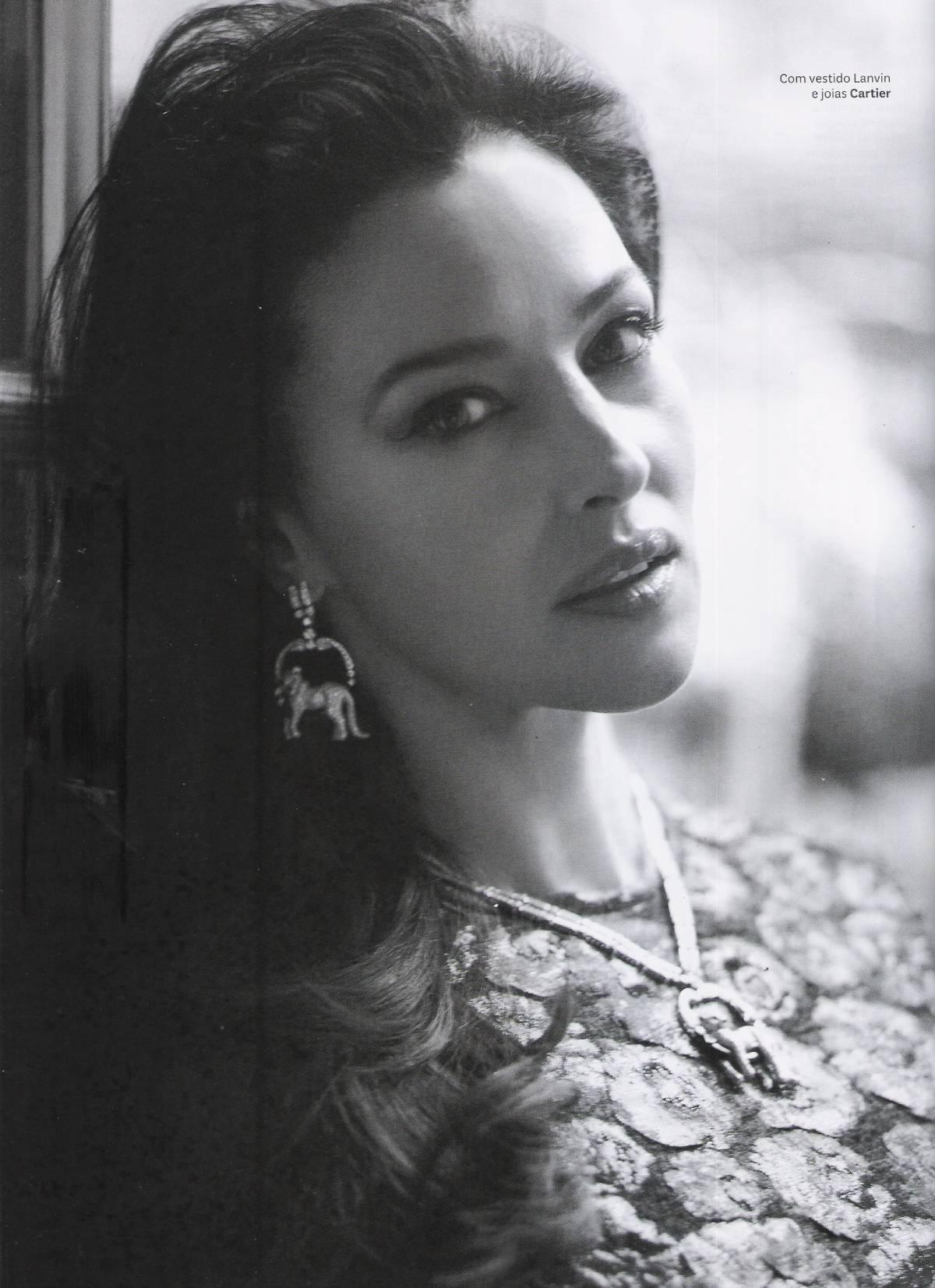 Vogue_Brasil_Janeiro2013_Monica_Bellucci_ph_JRDuran (2)
