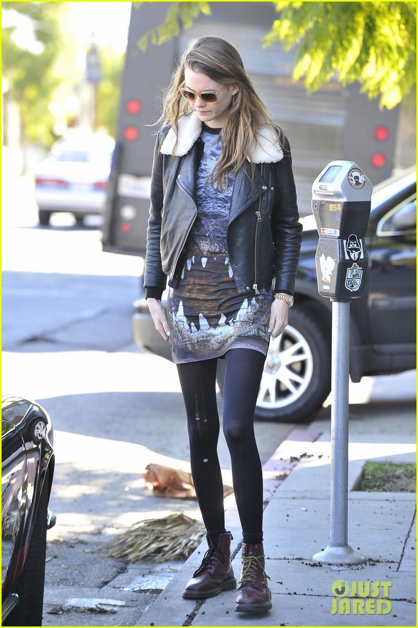 Behati Prinsloo Seen Getting Into Adam Levine 39 S Car In Los Feliz Fab Fashion Fix