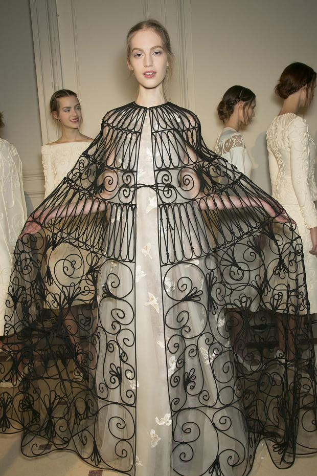 valentino-backstage-haute-couture-spring-2013-pfw59