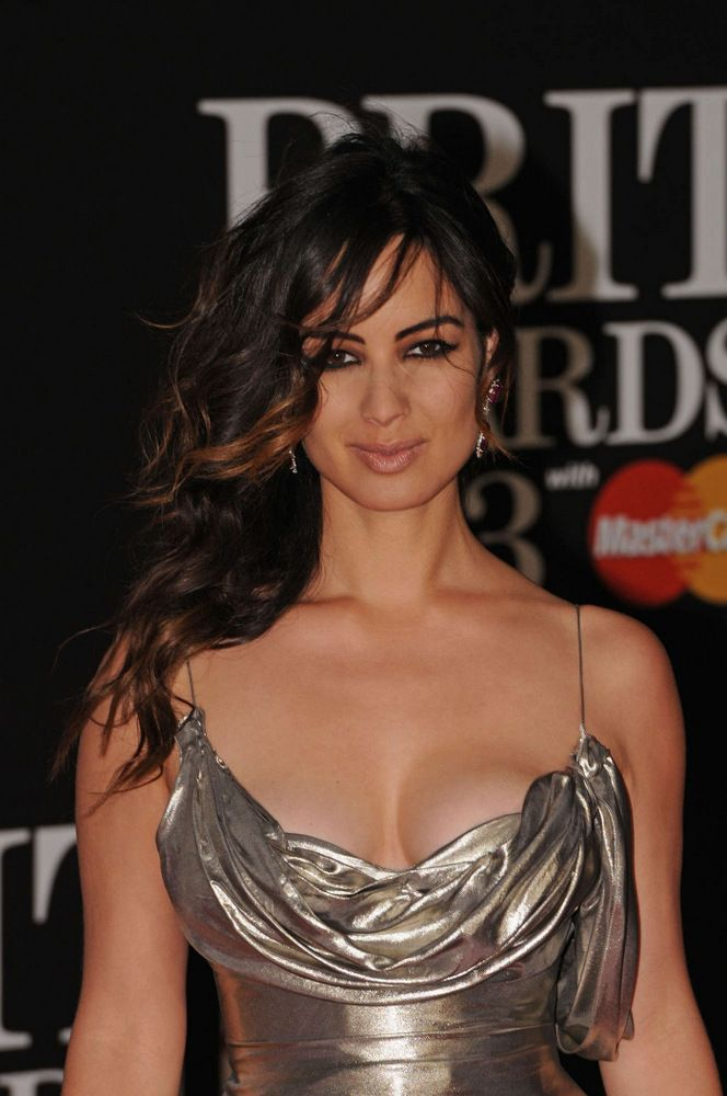 2Berenice Marlohe Brit Awards in London 2013-001