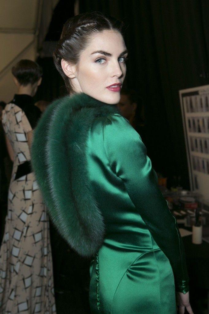 Carolina_Herrera_Fall_2013_Backstage_LHFF5u_Y1_Hy_J
