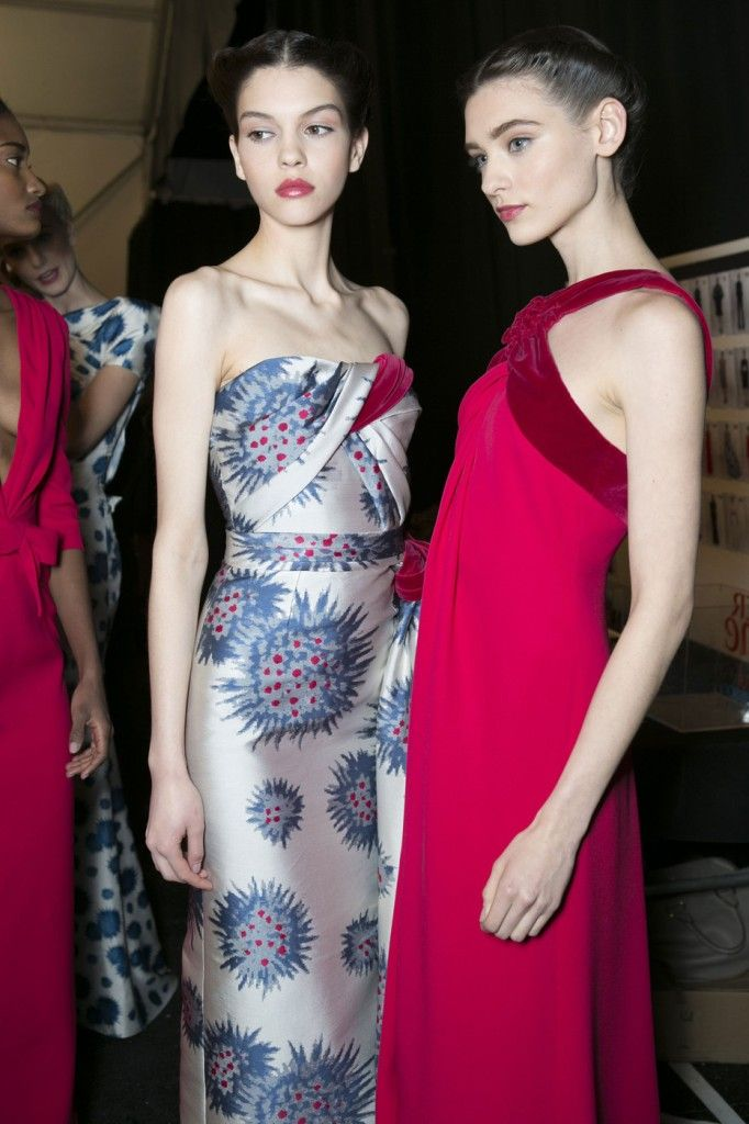 Carolina_Herrera_Fall_2013_Backstage_f_C2_Es_A3t14a
