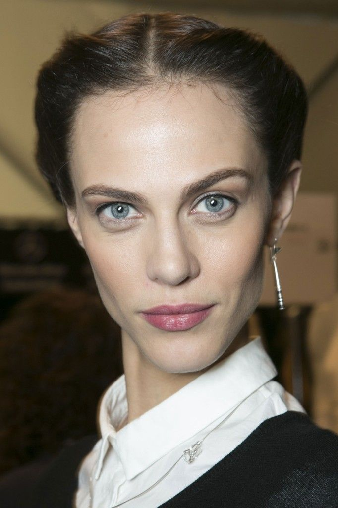 Carolina_Herrera_Fall_2013_Backstage_j_Mx7_Tv_Vdsj