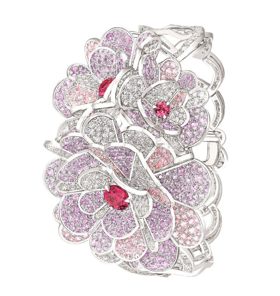 Chanel-Bracelet-Camelia-Origami