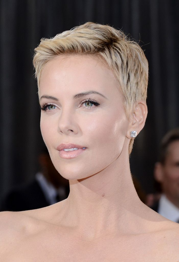Charlize_Theron_85th_Annual_Academy_Awards_qZCiHPsH5Rqx