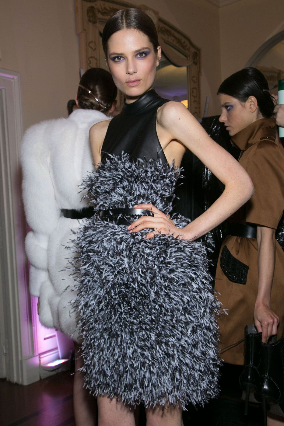 Jason_Wu_Fall_2013_Backstage_Wi_Cu_OR4_Ha0x