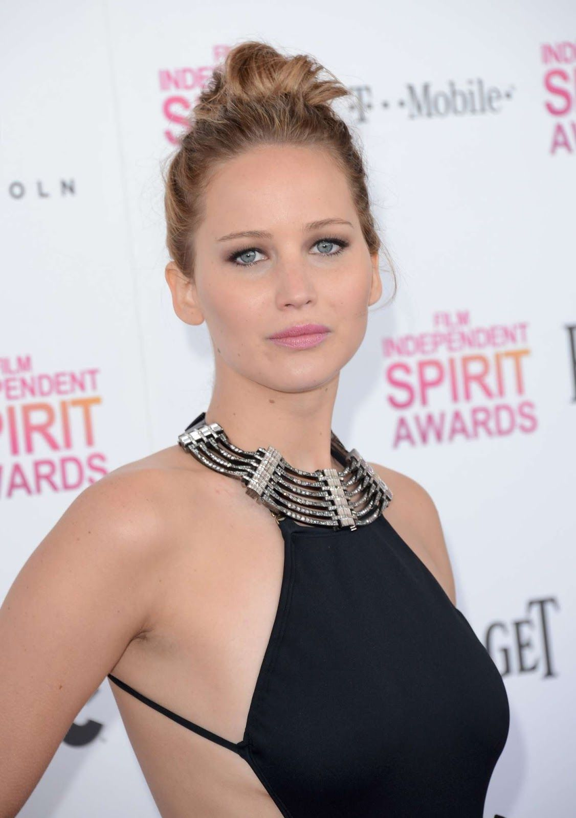 Jennifer Lawrence Film Independent Spirit Awards 2013-001