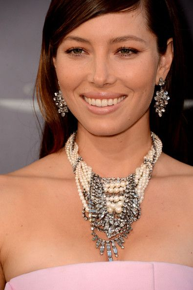 Jessica+Biel+Statement+Necklace+Diamond+Statement+mIarO9tvbMLl