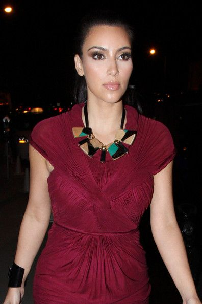Kim+Kardashian+Statement+Necklace+Black+Statement+R6OaS6x3L0dl
