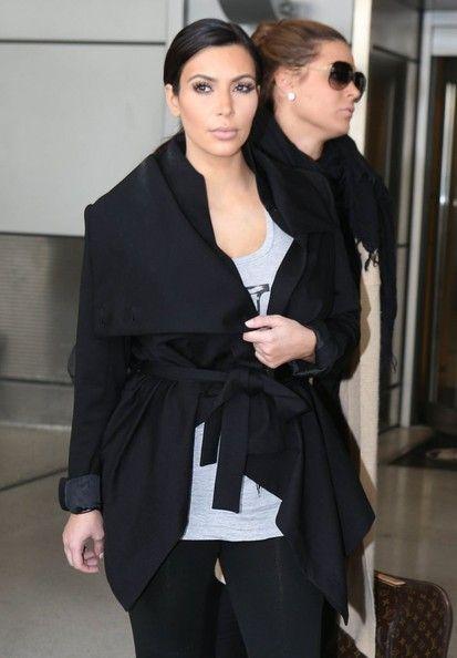 Kim_Kardashian_Kim_Kardashian_Arriving_Flight_KAGbM4VLMHal