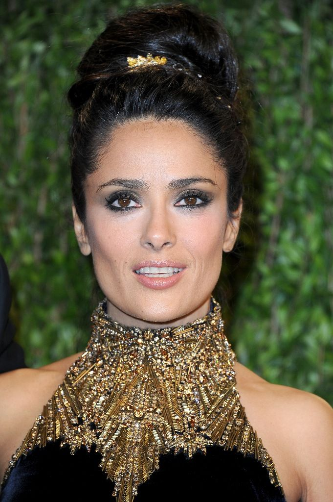 Salma_Hayek_attends_the_2013_Vanity_Fair_Oscars_Party_in_West_Hollywood_24.2.2013_01