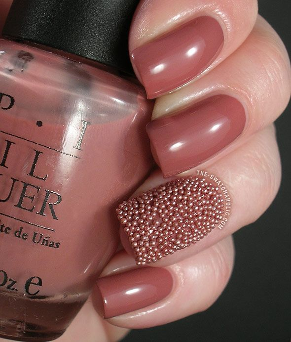 caviar-fish-egg-nails-manicure_01