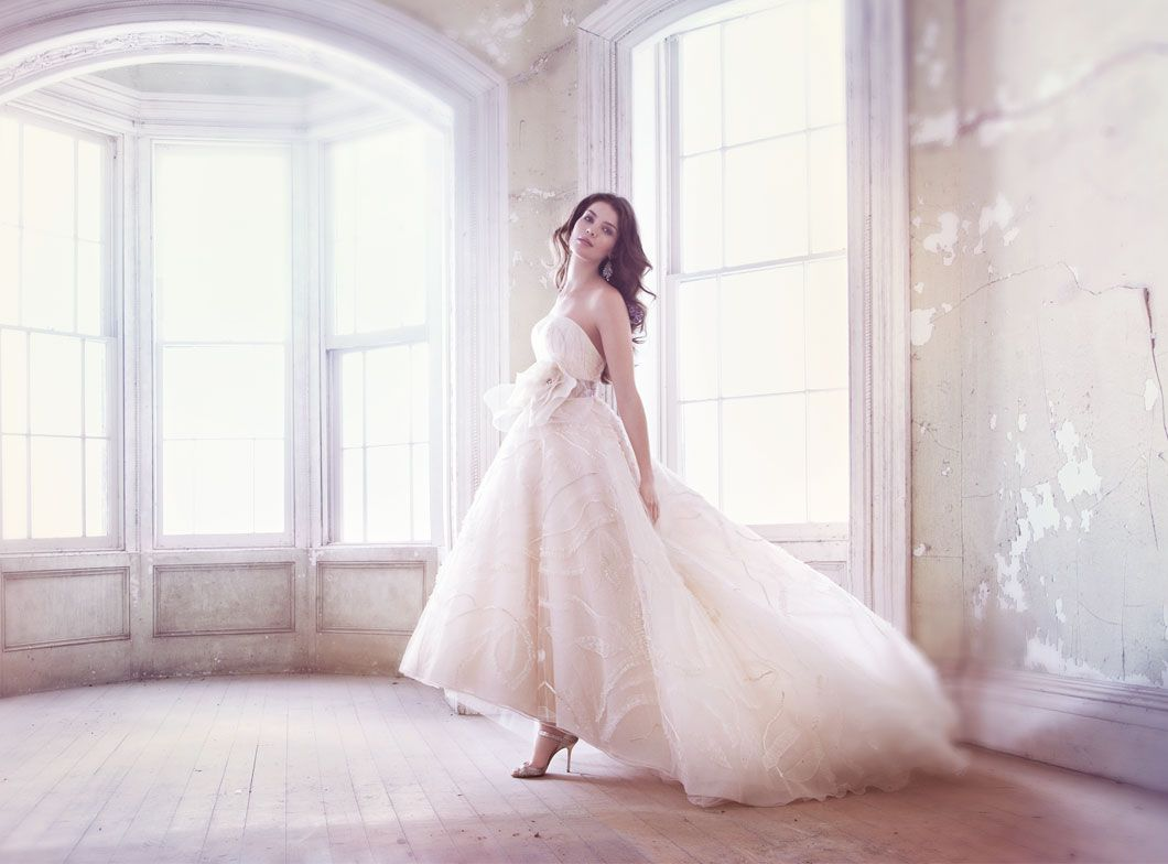 jim-hjelm-bridal-embroidered-tulle-gown-strapless-sweetheart-neck-ribbon-floral-circular-skirt-sweep-train-8320_zm