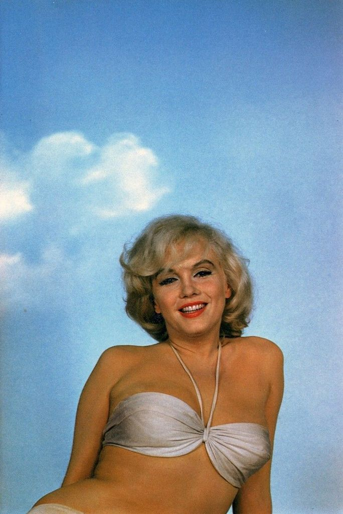 Marilyn Monroe photoshoot by Eve Arnold | Fab Fashion Fix