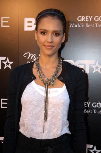 statement_necklace_as_seen_on_jessica_alba