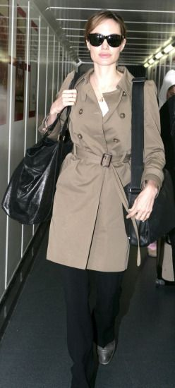 Angelina-Jolie-Gerard-Darel-trench-coat