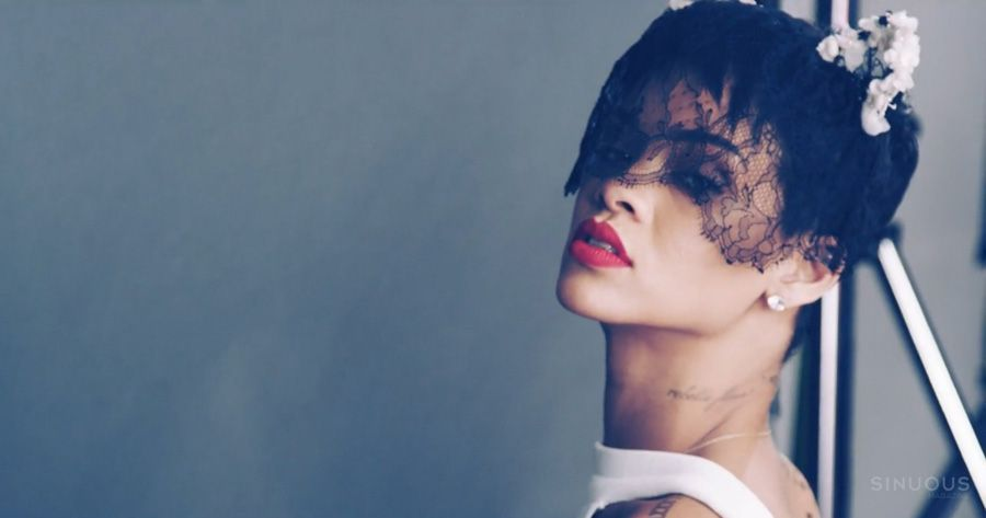 Rihanna Elle UK Cover Shoot behind the scenes_23