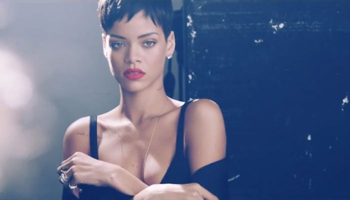 Rihanna Elle UK Cover Shoot behind the scenes_26
