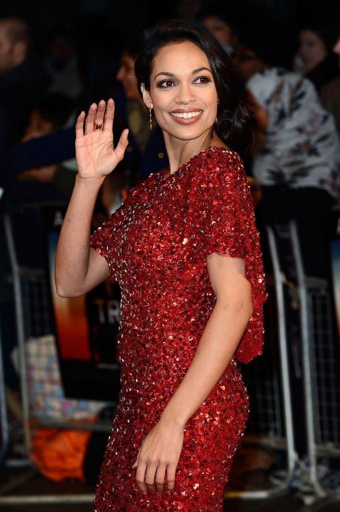 Rosario_Dawson_attends_the_premiere_of_Trance_at_Odeon_West_End_in_London_19.3.2013_06