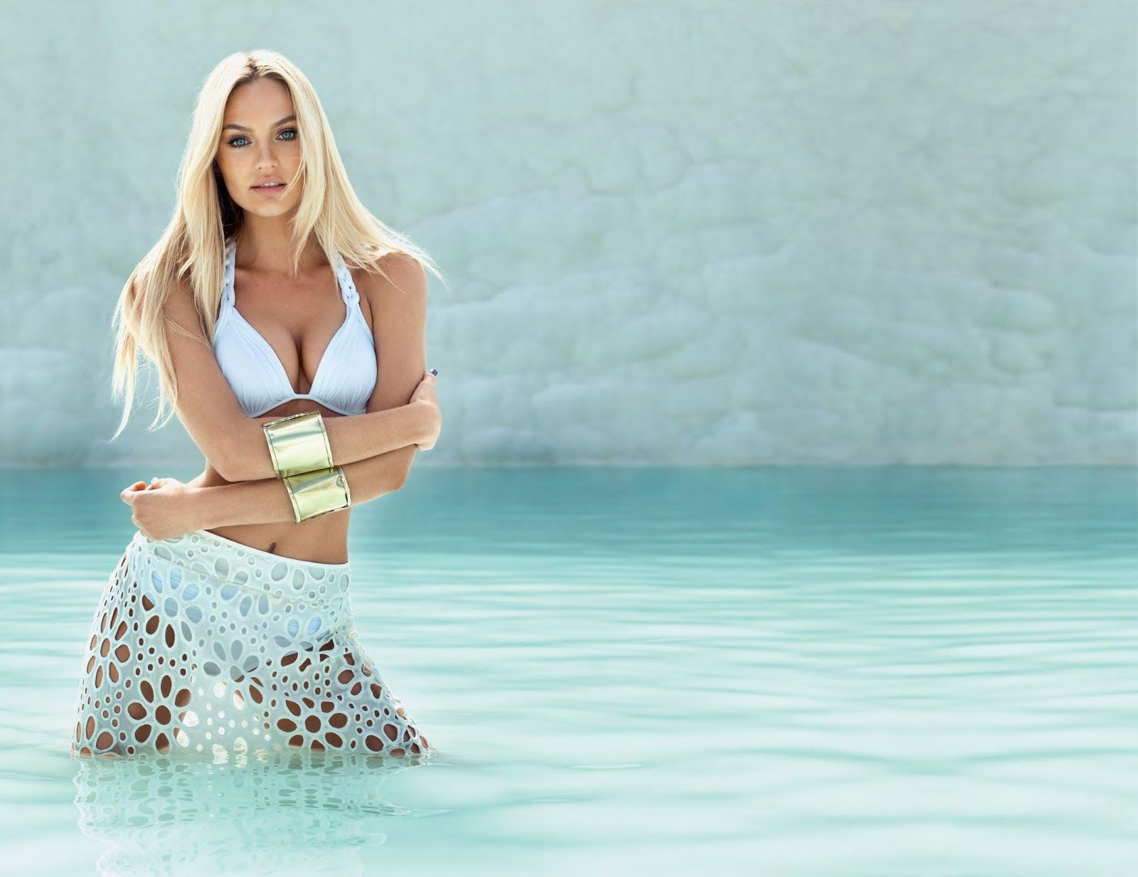 candice-swanepoel-bikini-shoot-photos-aguadecoco_2013catalog-11
