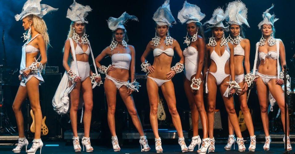 modelos-apresentam-looks-da-blue-man-para-o-verao-2014-durante-o-desfile-elle-summer-preview-em-sao-paulo-09032013-1362895984367_956x500