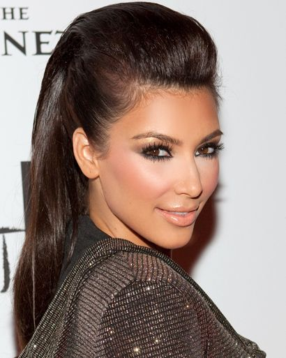 For More Inspiration Fab Fashion Fix Found Celebrity Looks With Similar Half Up Down Hairstyle