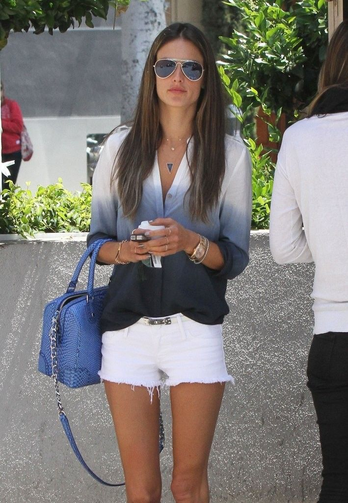Alessandra Ambrosio Brenwtood Country Mart in Brentwood-002