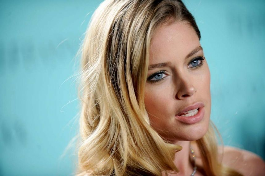 Doutzen-Kroes-a-la-soiree-Tiffany-Co-a-New-York-le-18-avril-2013_portrait_w858
