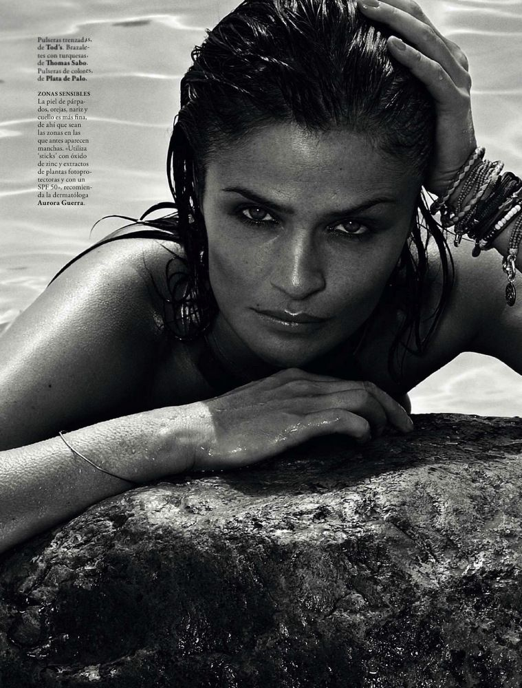Helena Christensen Elle Spain May 2013-007