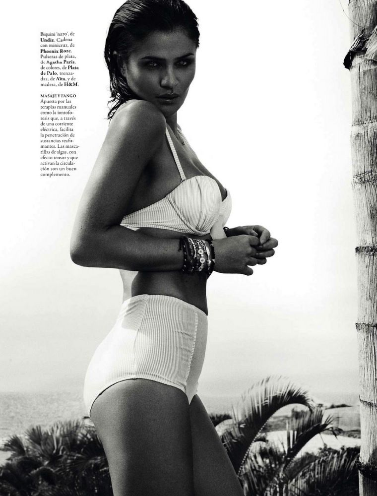 Helena Christensen Elle Spain May 2013-024