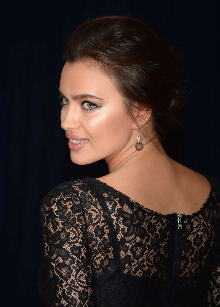 Irina Shayk White House Correspondents Association Dinner in Washington-002