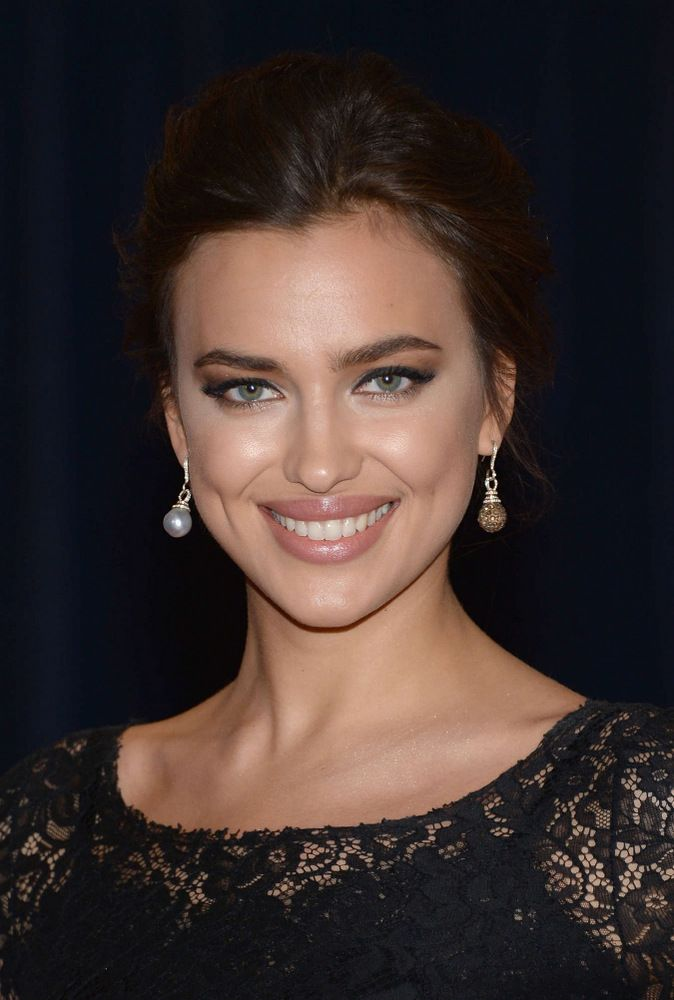 Irina Shayk White House Correspondents Association Dinner in Washington-003