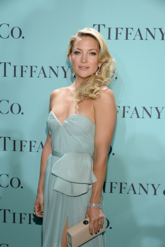 Kate_Hudson_Tiffany_Celebrates_Blue_Book_Ball_GFWoeoXlYwzx
