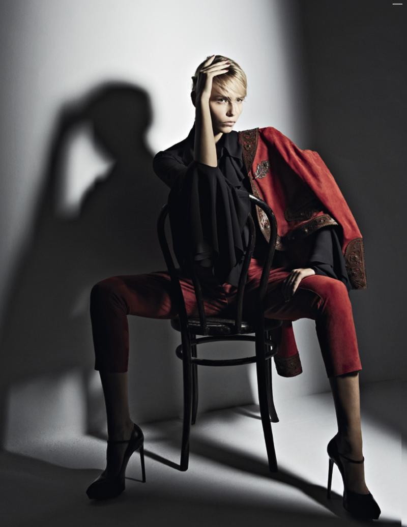 Natasha Poly Vogue Russia May 2013-007