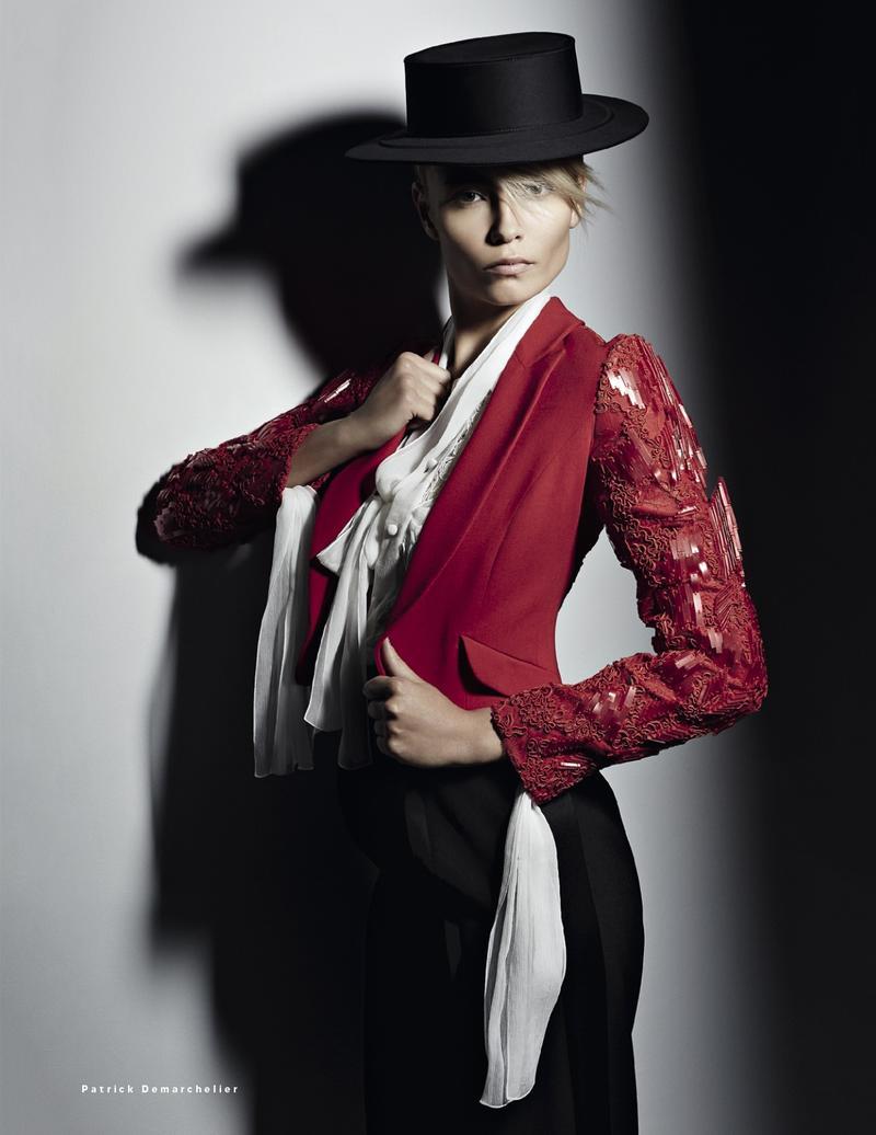Natasha Poly Vogue Russia May 2013-009